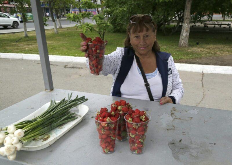 Эксперты рассказали волгоградцам, как выбирать клубнику