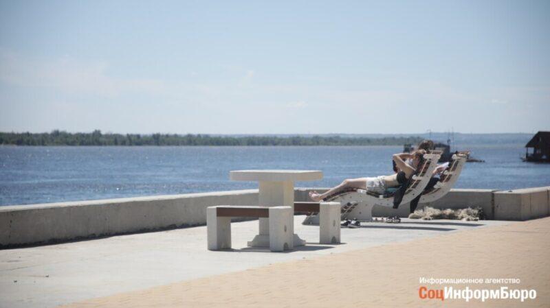 Журналисты раскрыли кражу шезлонгов из парка у «Гасителя»