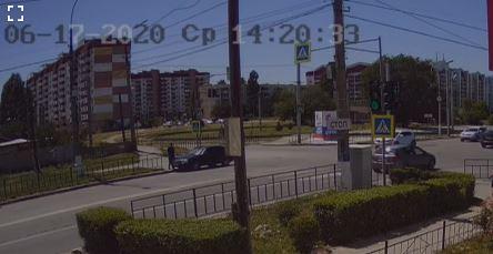 В Волжском по горячим следам разыскали водителя, сбившего пешехода на улице Ленина