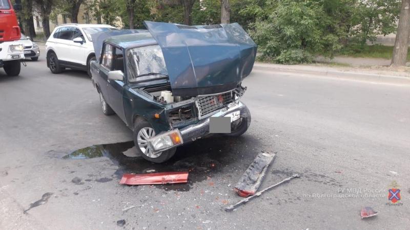 Покалечил человека и сбежал с места ДТП: под Волгоградом разыскивают водителя ВАЗа