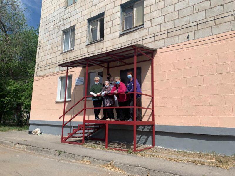 Фитобар, тренажерка, танцы и стрижки: бесплатный досуг организуют пенсионерам Волжского после карантина