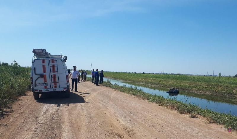 В оросительном канале, где нашли машину с пятью телами, обнаружили еще три трупа