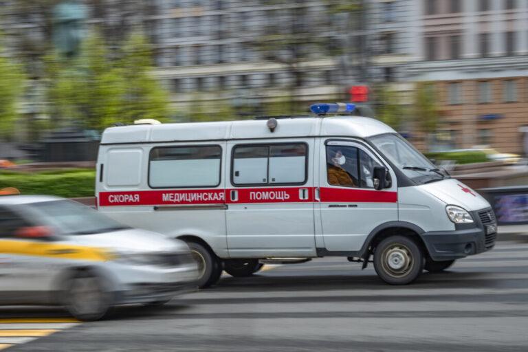 На трассе «Р-22 Каспий» рейсовый автобус протаранил маршрутку