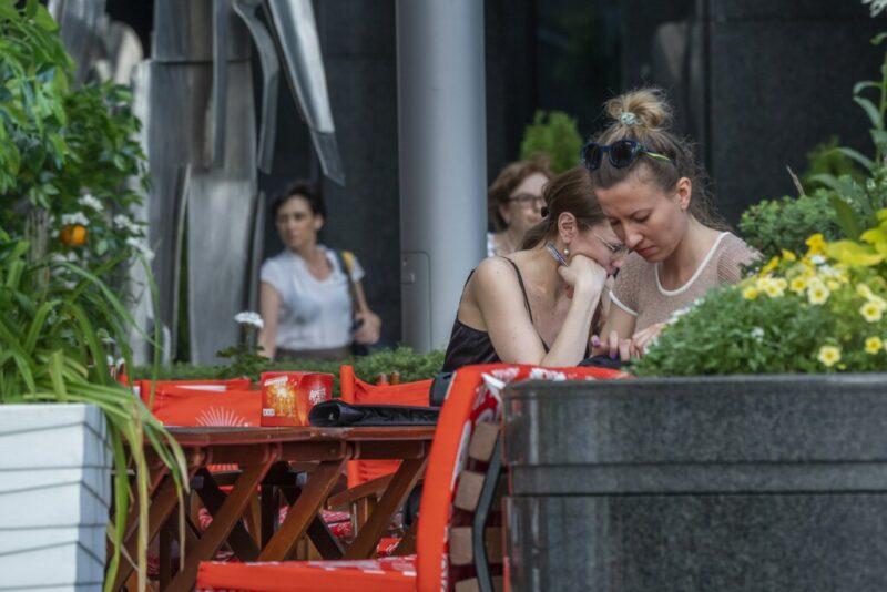 Конфликт в волгоградском кафе закончился избиением официанта