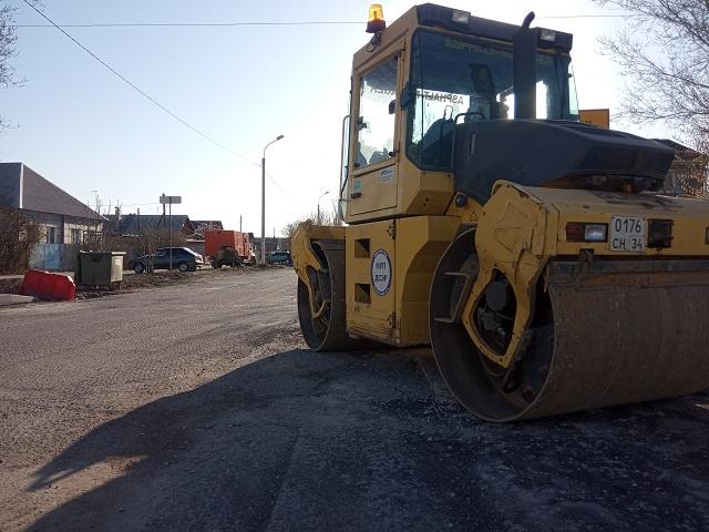 Началась реконструкция улицы Закавказской в Кировском районе