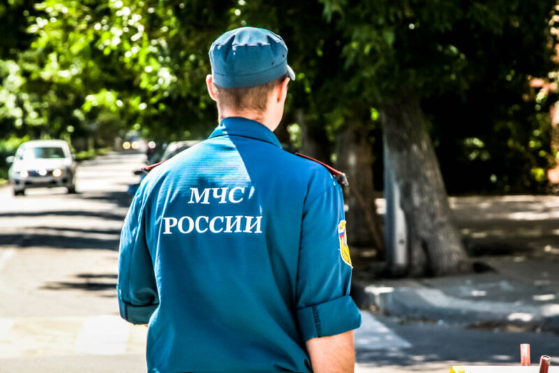 «Причина — неосторожное обращение с огнем»: в Волгограде сгорел ВАЗ