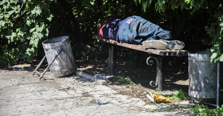 Коронавирусная безработица в Волгограде: юристы комментируют истории тех, кто остался и без работы, и без пособий