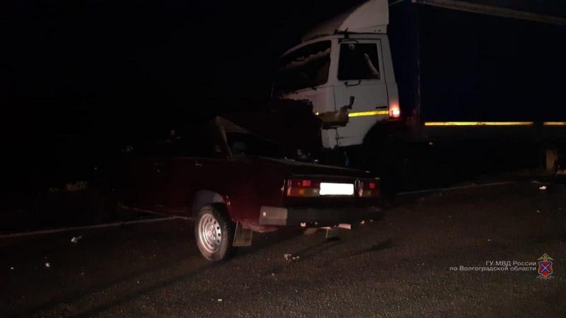Под Волгоградом водитель «семерки» погубил пассажира и сбежал с места аварии