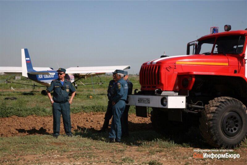 От удара молнии под Волгоградом сгорело целое поле пшеницы