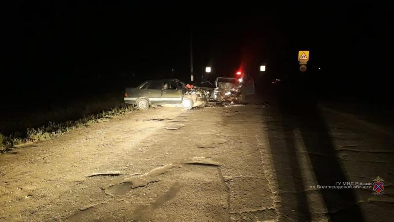 На ухабистой дороге под Волгоградом в ДТП погибла 15-летняя девочка