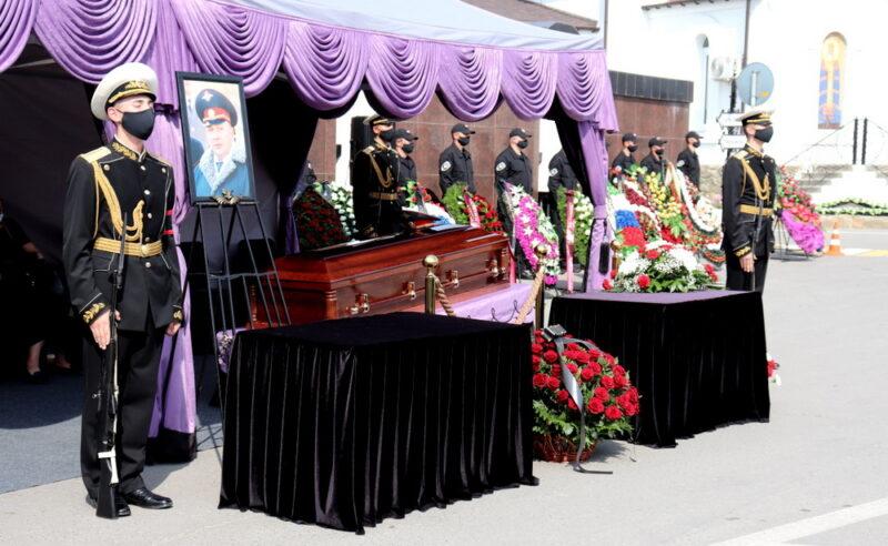 В Волгограде похоронили экс-начальника УВД, скончавшегося из-за коронавируса