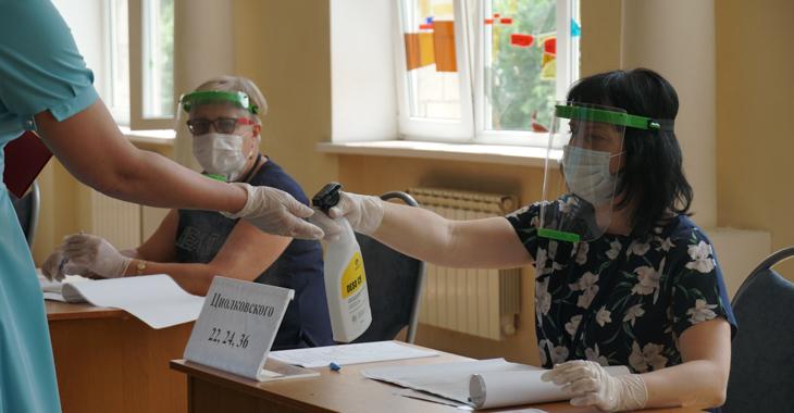 Членам волгоградских УИКов заплатят по 5 тысяч за работу во время пандемии