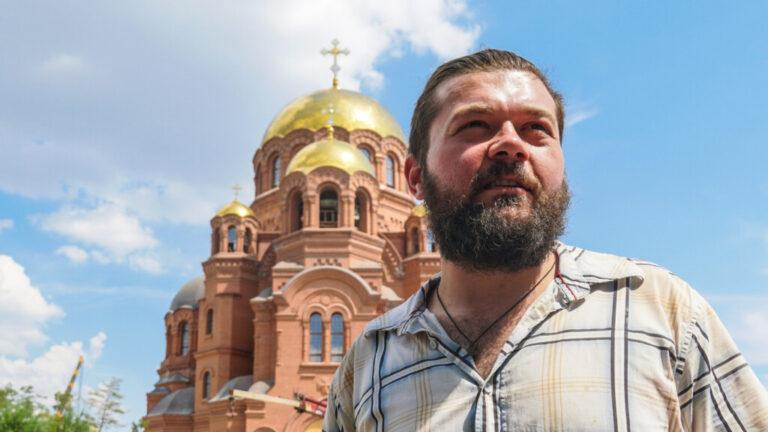 Столичный художник о работе в стенах храма Александра Невского, о семейном ремесле и о символичных находках на стройке