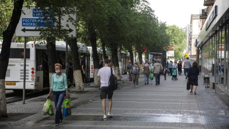 Число заболевших ковидом в Волгоградской области неделю держится более 310 человек в сутки