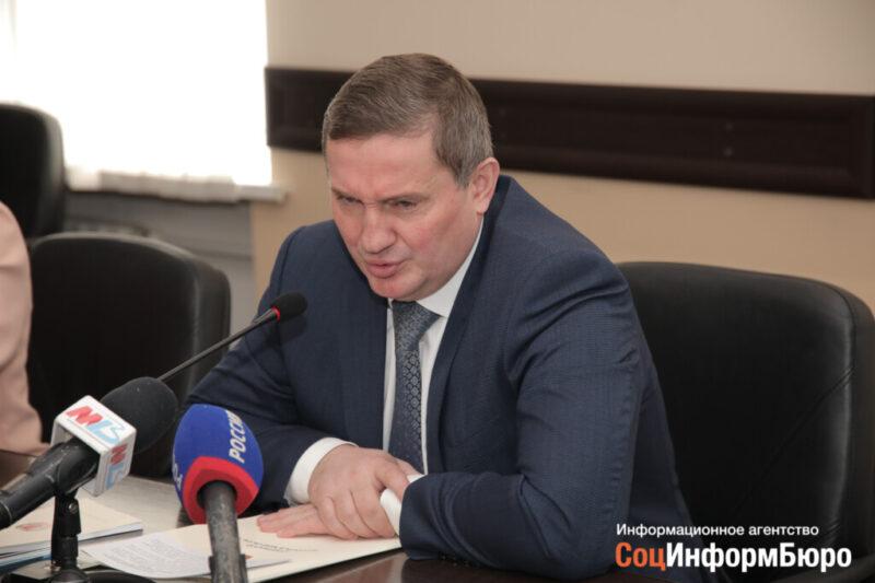Губернатор А.Бочаров 14 сентября заявил о напряженной ковидной обстановке
