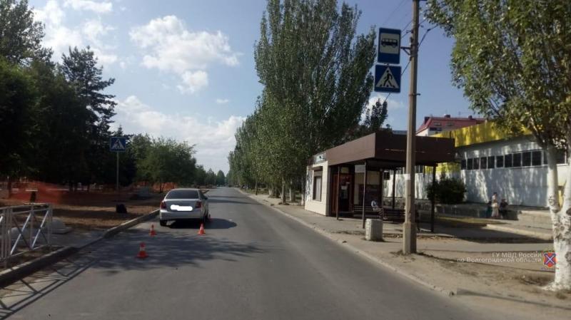 «Переходили дорогу без взрослых»: двое маленьких волгоградцев попали под колеса машин