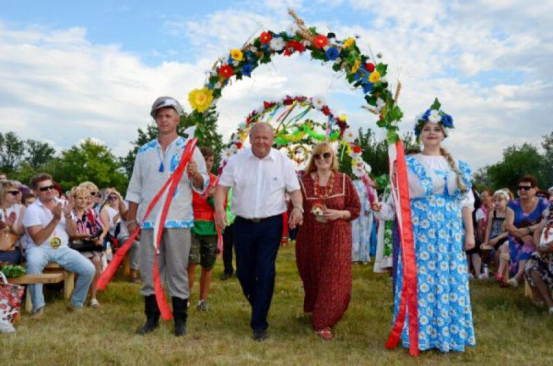 Вслед за главой Камышинского района коронавирус унес жизнь его супруги