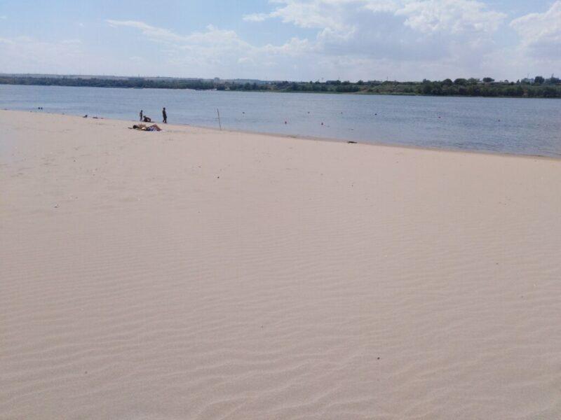Пляж в Кировском районе откроют после экспертизы Роспотребнадзора