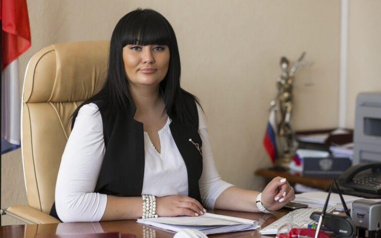 Пойманная с многомиллионной взяткой волгоградская судья Добрынина официально находится в отпуске