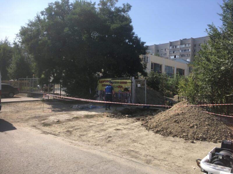 В Волгограде возле школы обнаружили бомбу