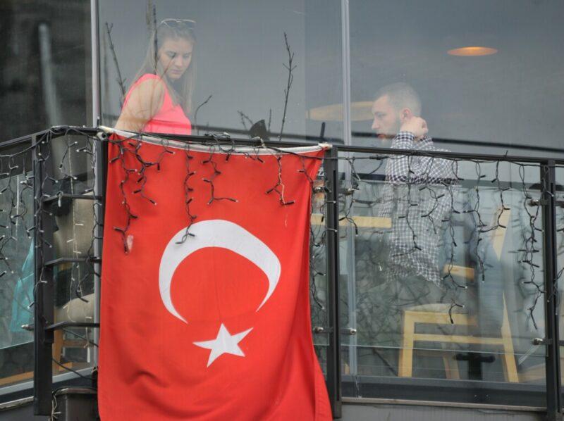 В Турции назвали BDSM-рекламу «Победы» позором