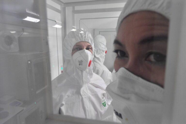 Роспотребнадзор озвучил симптомы коронавируса, простуды и гриппа