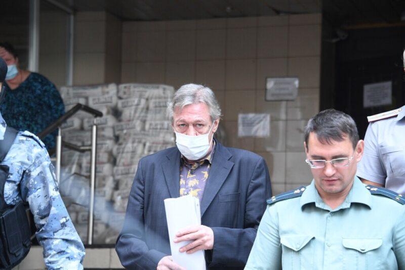 Михаил Ефремов вновь признал свою вину в ДТП