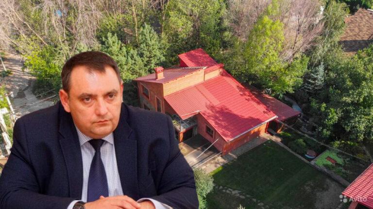Директор музея «Россия. Моя История» продаёт «соседство» с губернатором