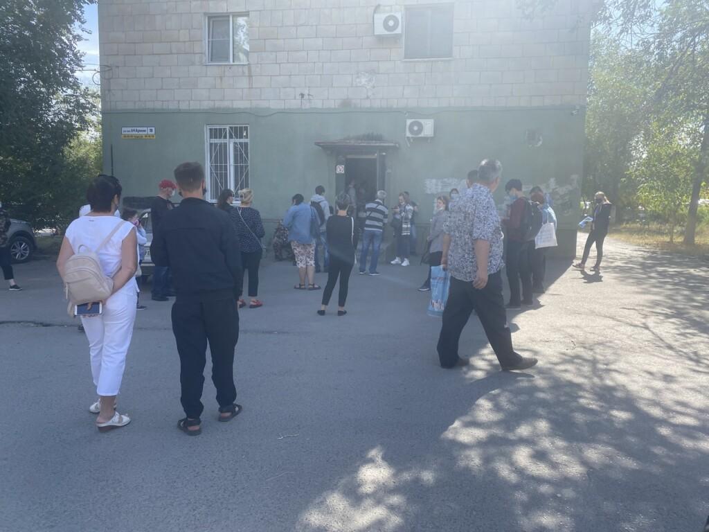 В 5-й – «врачи заболели», про КДЦ №1 – промолчали: Облздрав объясняет отсутствие врачей в поликлиниках Волгограда