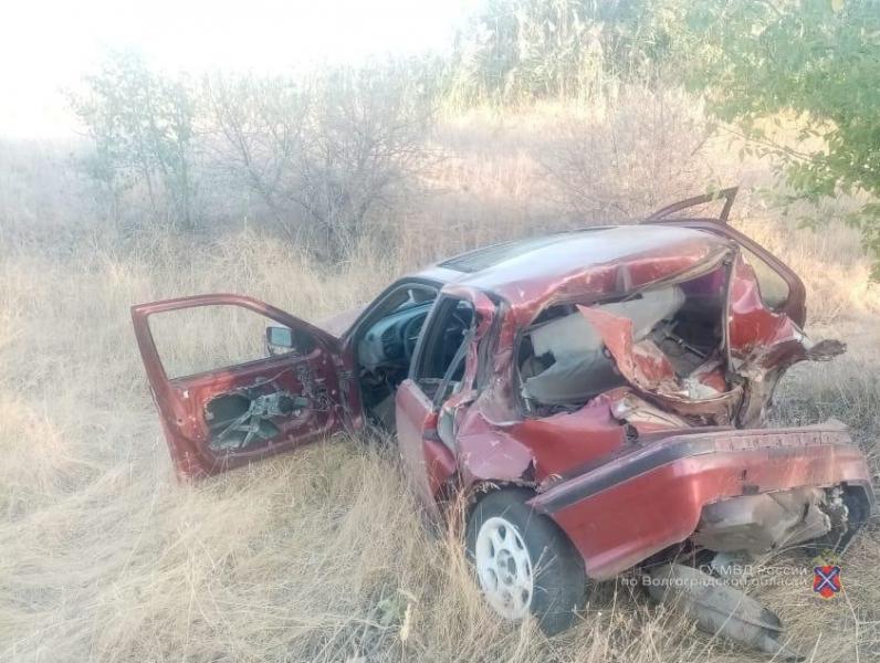 «Машина в лепешку»: 18-летние парни разбились на «BMW» в Волжском