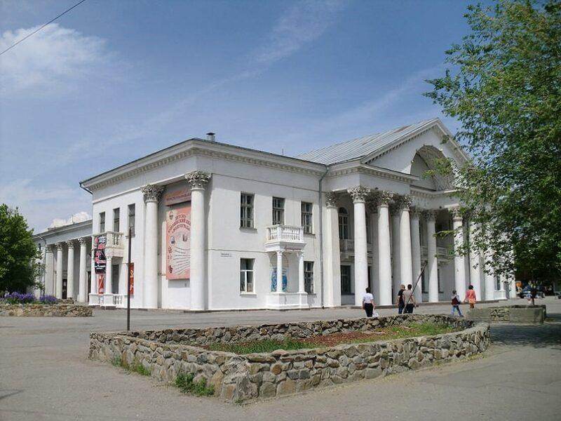 Волгоградский кинотеатр «Победа» переделают в кукольный театр за полмиллиарда