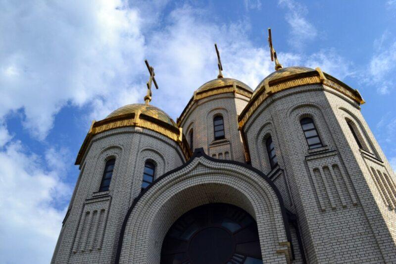 Волгоградцев вновь призвали помолиться за медиков, работающих в «красной зоне»