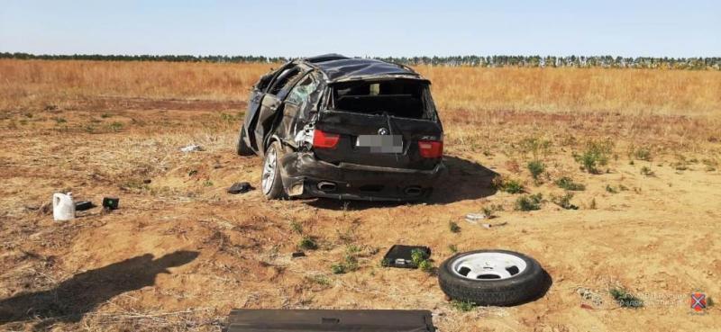 В страшную аварию угодил водитель BMW X5 в Старополтавском районе