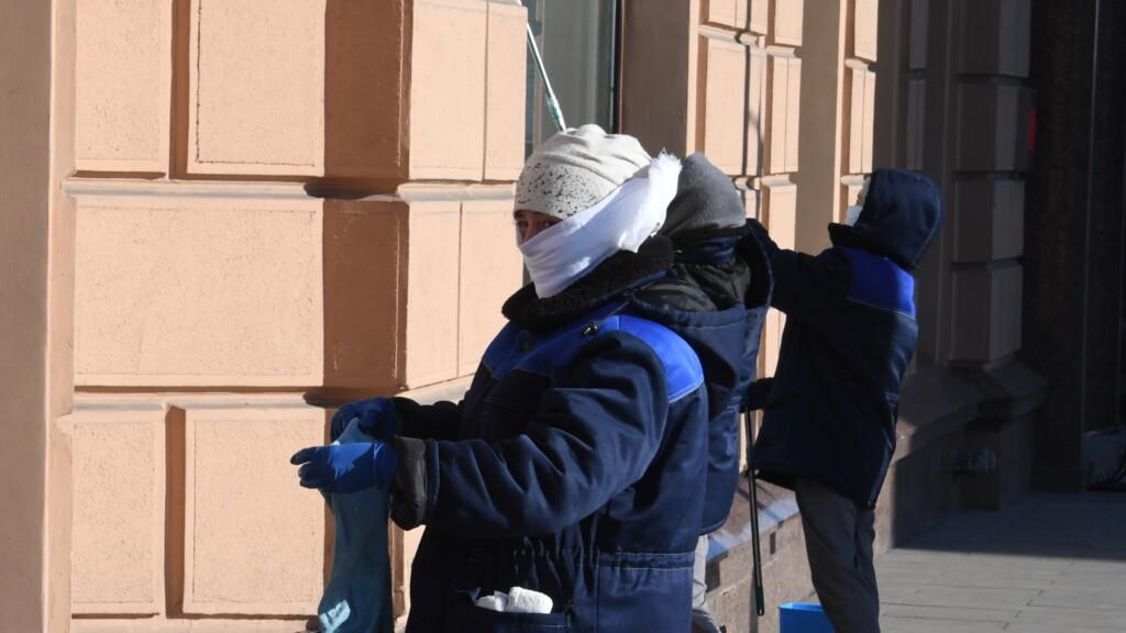 С 23 октября волгоградцам запрещено носить повязки и аналоги масок