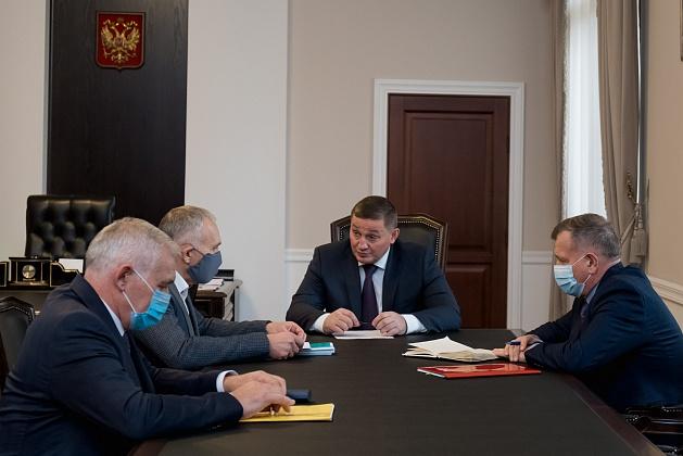 Ремонт волгоградских дорог власти региона обсудили с Росавтодором