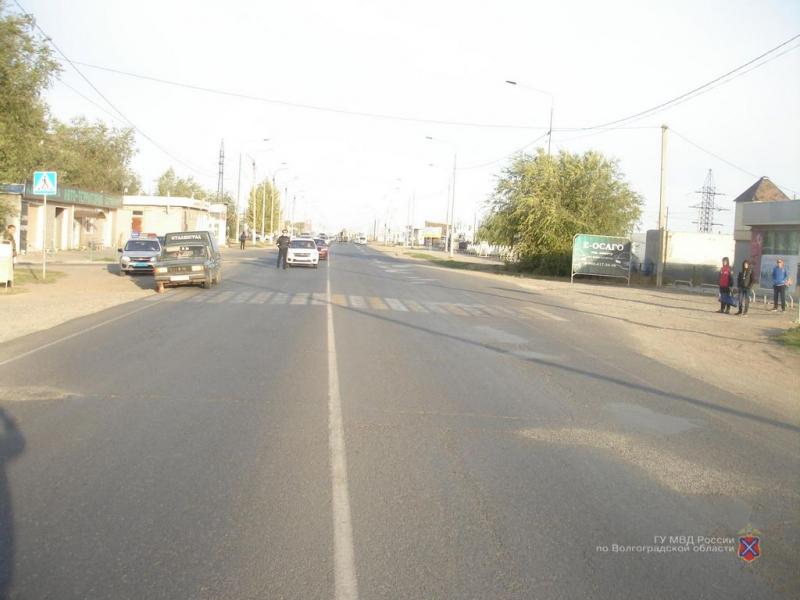 На обочине у «зебры»: под Волгоградом водитель «Ижа» сбил женщину
