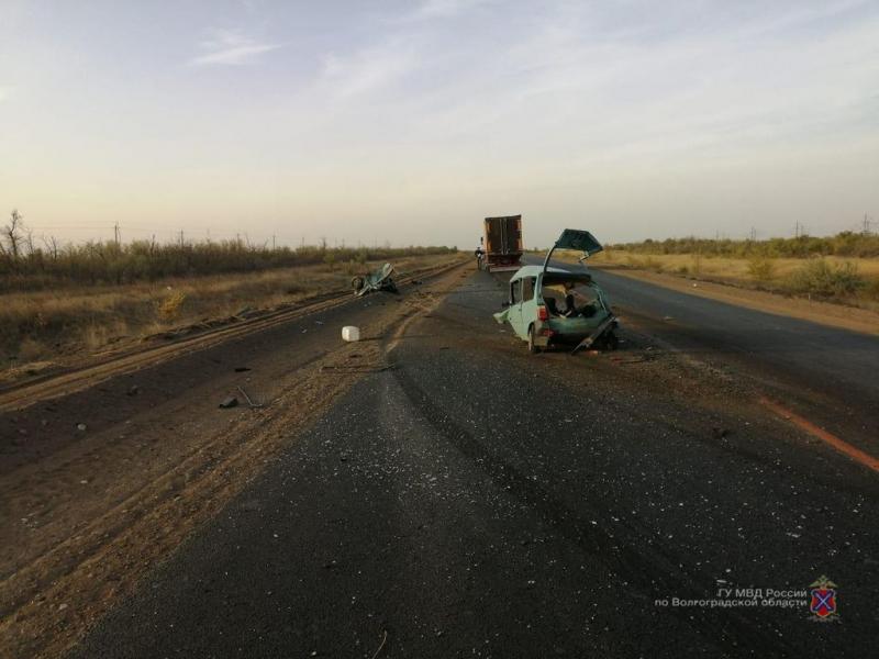 Водитель «Оки» погиб от лобового столкновения с фурой под Волгоградом