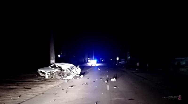 23-летний парень погиб, врезавшись на машине с столб