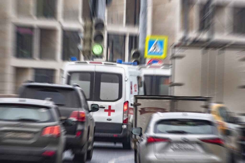 """""""Lada Priora"""" с водителем упала с обрыва в Волгоградской области"""