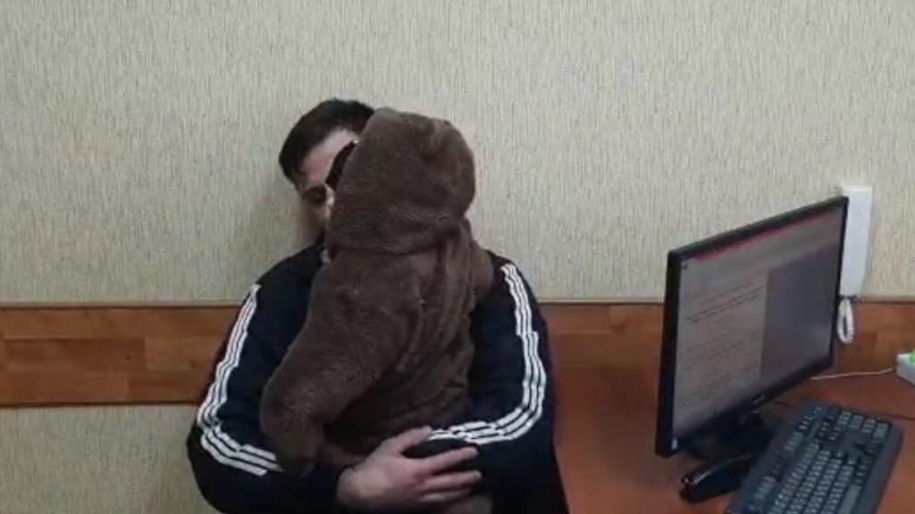 В Волгограде отыскали мужчину, который ушел из дома с 11-месячным ребенком