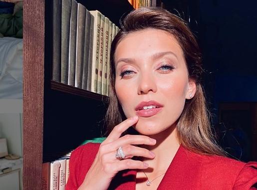 Елена Исинбаева довела Регину Тодоренко до слез на публике
