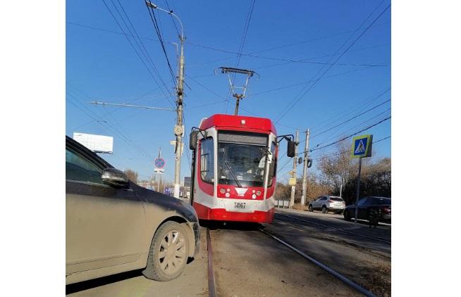 Из-за неудачной парковки в Волгограде временно изменился маршрут СТ