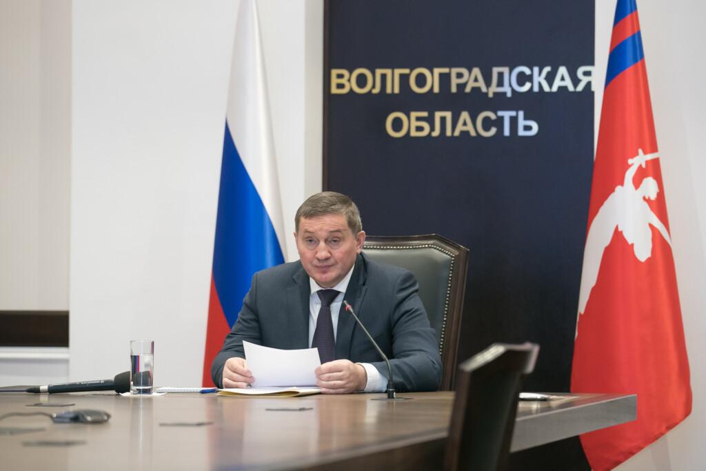 Андрей Бочаров планирует лечить всех амбулаторных больных ковидом бесплатно