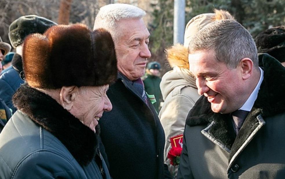 Волгоградские ветераны стали губернатору еще ближе
