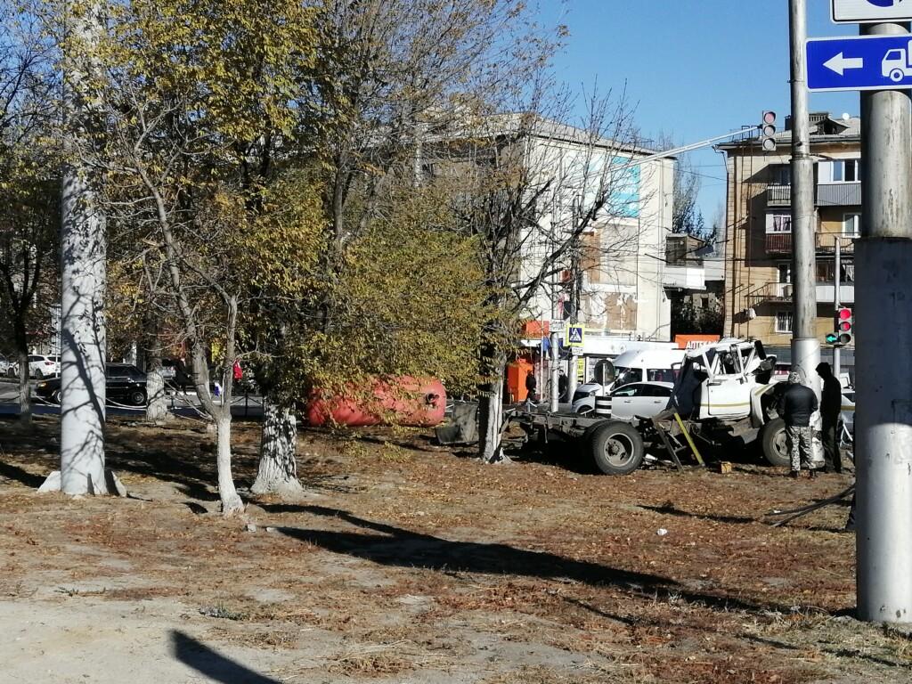 «Я не справился с управлением»: водитель ассенизаторской машины рассказал о ДТП возле рынка «Виктория»