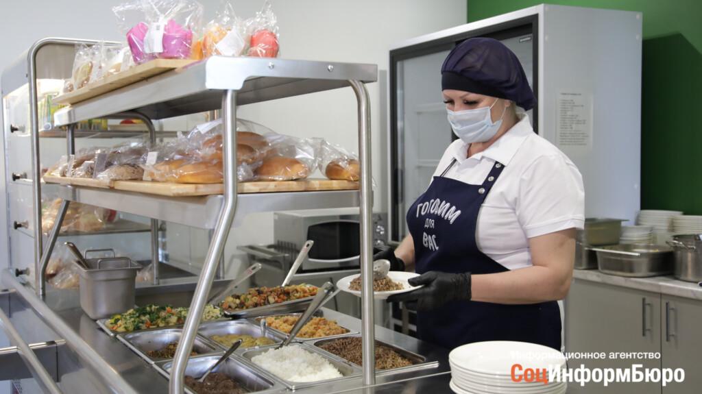 Волгоградских школьников кормили с санитарными нарушениями
