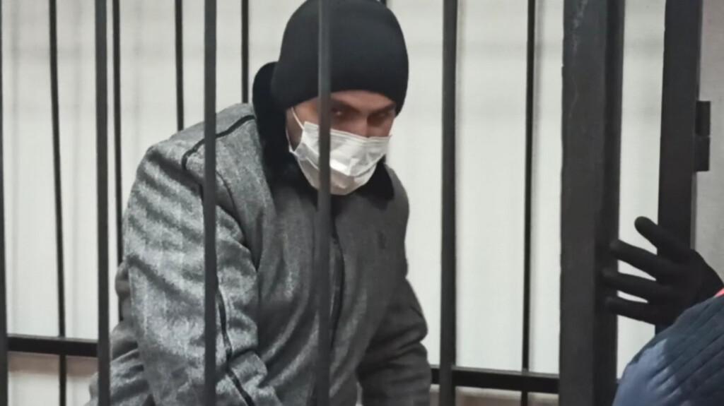 Муж зачинщицы конфликта в родительском чате в Волгограде заключен под стражу
