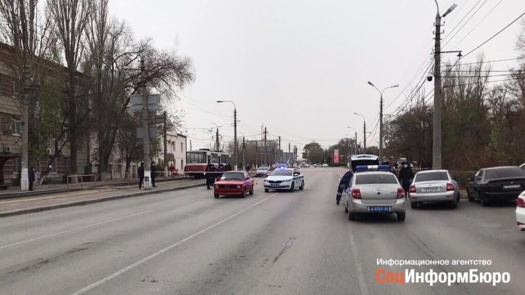 Руководство областного МВД и ГАИ в субботу выехало на место нападения на полицейского в Волгограде