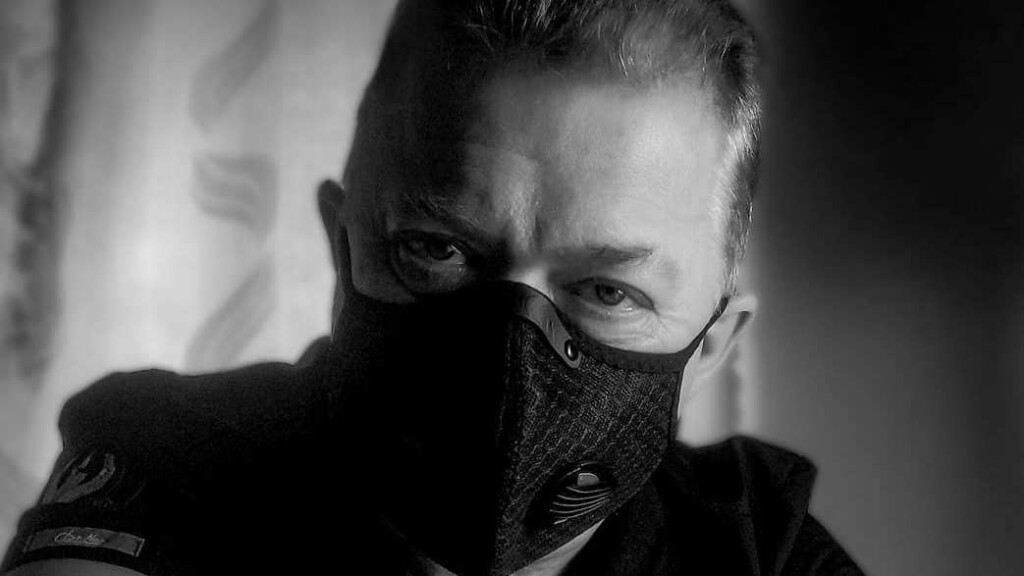 От COVID-19 умер врач, спасавший избитого в банке Волгограда Романа Гребенюка