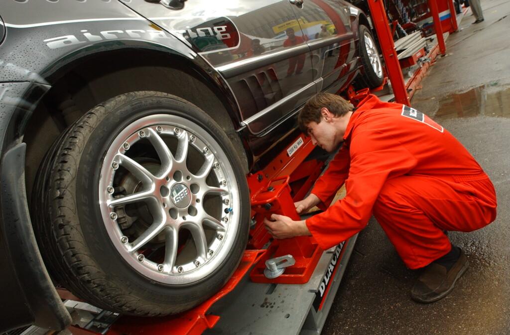 Администрация Волгограда отремонтирует автомобили на 3 миллиона рублей